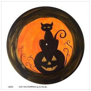 16035_cat-on-pumpkin